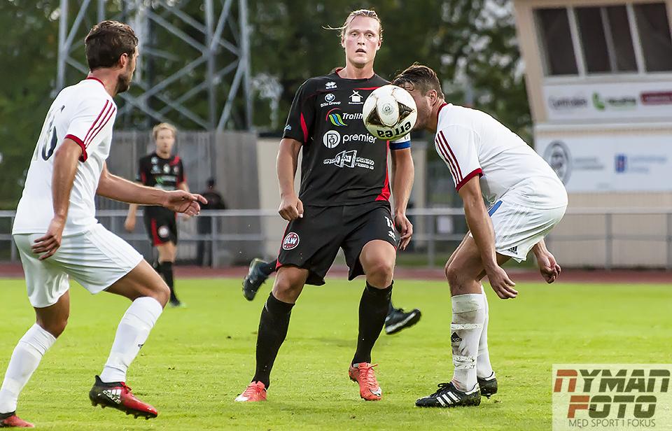 18 man ska ta tre poäng mot Karlstad